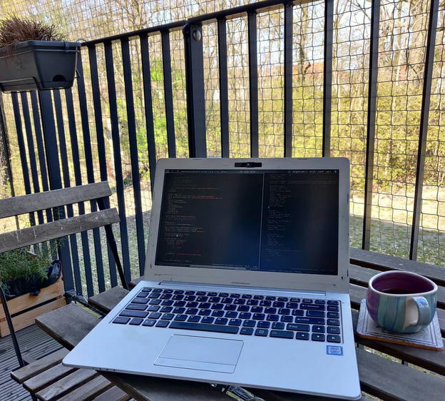Photo shared by Coffee'n'Code on April 07, 2020 tagging @programm.r, @_programmers.life, @programunity, @_whatthetech, @programmer.mp4, and @thecoderslaboratory.