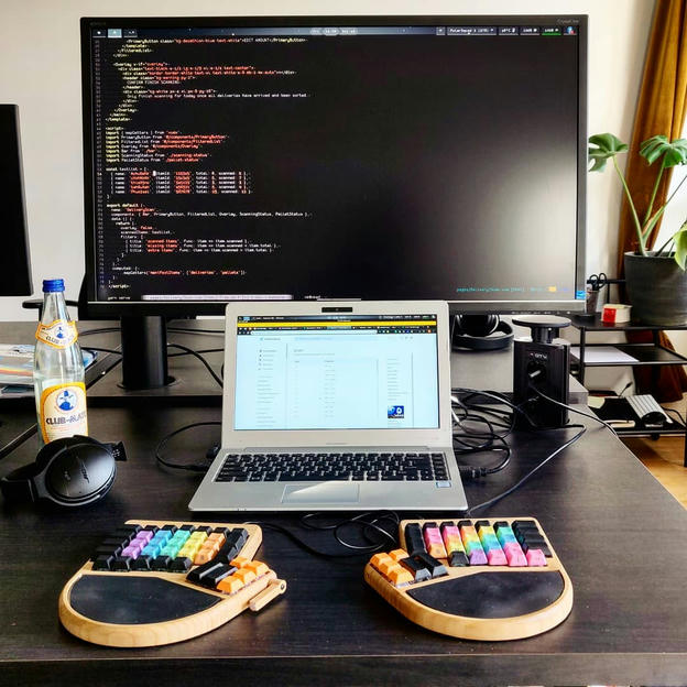 Photo shared by Coffee'n'Code on October 19, 2019 tagging @bose_professional, @comment_sense, @clubmatede, @falba.tech, @coderlifes, @codeclique, and @papillonformen.al.